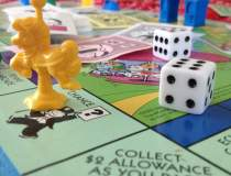 Jocul Monopoly, vandut in...