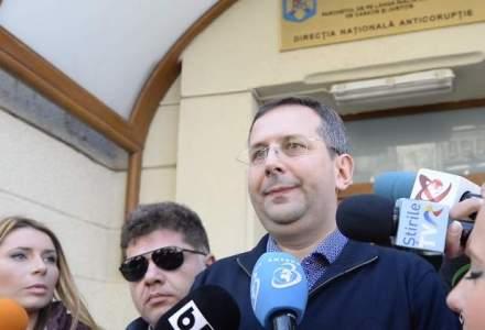 Deputatul Theodor Nicolescu a fost arestat in in dosarul privind despagubiri pentru imobile supraevaluate