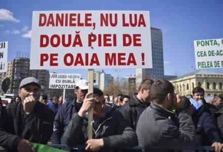 Victor Ponta, despre fermieri: De ce protesteaza la Guvern? E spatiu mare?