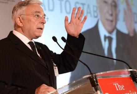 Averea lui Mugur Isarescu: conturi cu circa 340.000 lei si bijuterii de 62.000 euro