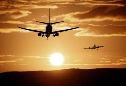 Zeci de persoane asteapta de trei ore in Aeroportul din Iasi, cursa spre Bucuresti avand intarziere
