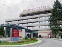 Hotelul Crowne Plaza, detinut...