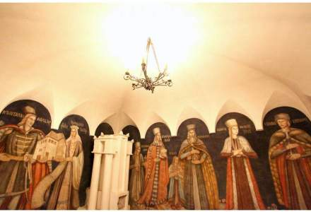 Ministerul Culturii nu este interesat sa cumpere monumentele Cula Greceanu si Castelul Teleki