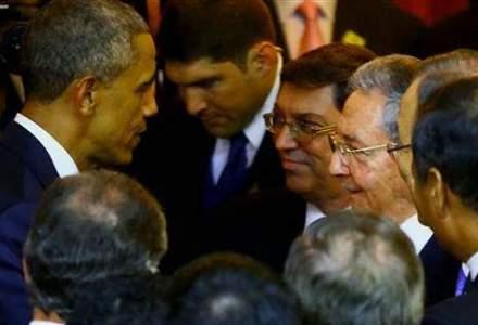 Eveniment istoric: Raul Castro si Barack Obama si-au strans mana la Summitul Americilor
