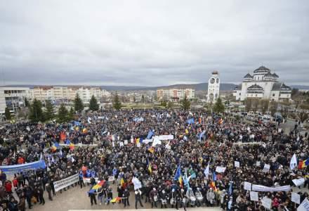 Ponta: Daca cei de la Dacia o mai tin in mitinguri, o sa se mute productia in Maroc