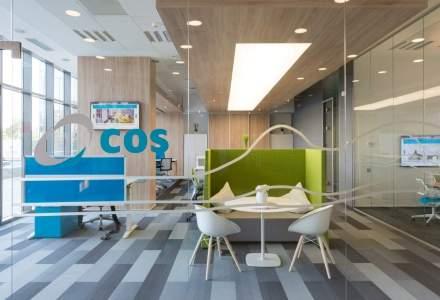 Birou, pe post de showroom la COS in Cluj: cum arata un sediu cu peretii de sticla