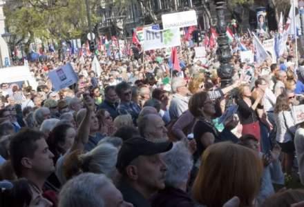 Protest la Budapesta: mii de persoane au demonstrat impotriva coruptiei Guvernului Orban