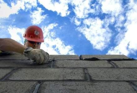 Industria constructiilor, la raport: Investitiile in sector s-au prabusit pe fondul scaderii veniturilor din piata
