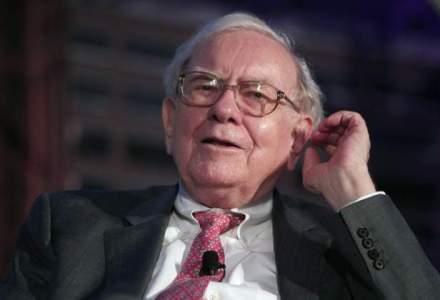 Warren Buffett, bombardat cu intrebari la adunarea anuala a actionarilor Berkshire Hathaway