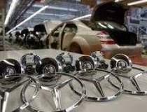 Daimler a dat mita in 22 de...