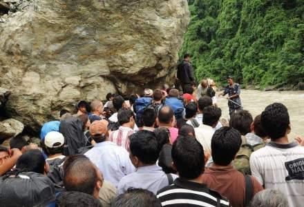 Bilantul celui de-a doilea cutremur major din Nepal a ajuns la 66 de morti