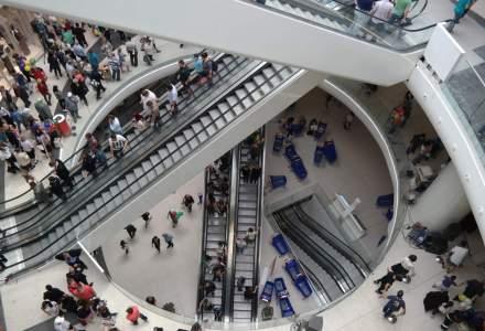 """Reportaj la Mega Mall: """"degringolada"""" si spatii inca nefinalizate, dar magnet pentru vizitatori. Cum arata, totusi, cel mai nou centru comercial din Bucuresti"""