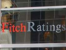 Fitch a coborat ratingul...