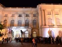 Noaptea Muzeelor: cozi de...