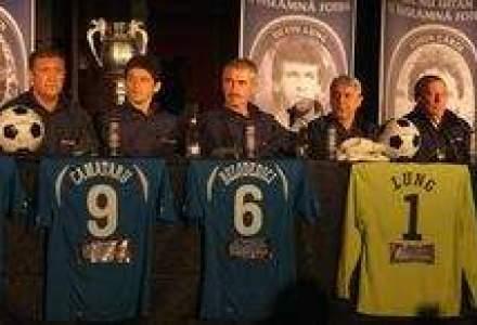 Cum poti juca fotbal cu 11 legende ale sportului rege din anii '80