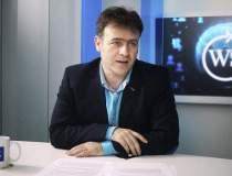 Tataru: Mobilul, ecranul cu...