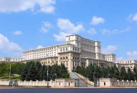 Klaus Iohannis a promulgat legea care dubleaza alocatiile de stat pentru copii