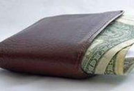 Pensionarii isi pot incasa pensiile pe card sau intr-un cont curent deschis la RIB