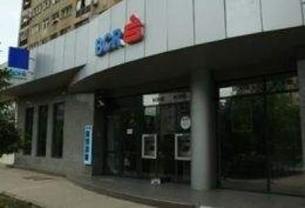 Unitatile BCR nu lucreaza cu publicul in ziua de 1 mai
