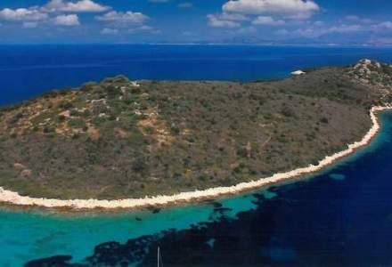 Angelina Jolie si Brad Pitt vor sa cumpere o insula in Grecia