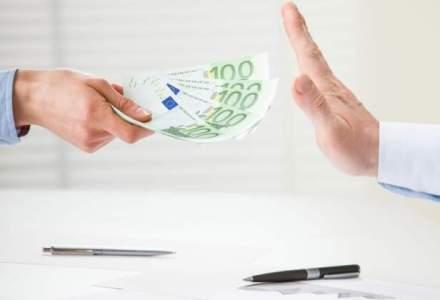 4 din 10 angajati din companiile mari vad coruptia ca un fenomen generalizat in Romania