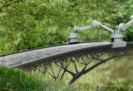 """Amsterdam va avea un pod printat 3D si """"desenat"""" in aer de roboti"""