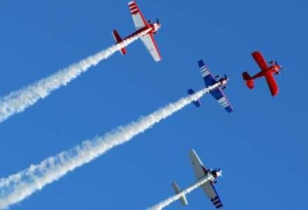 BIAS 2015: Peste 200 de piloti si parasutisti si 120 de aeronave vor face spectacol pe cer