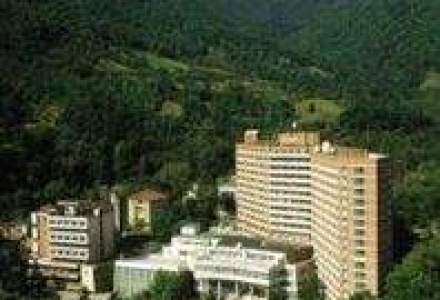 Doua hoteluri din Baile Herculane, scoase la vanzare din cauza datoriilor