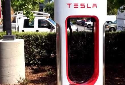 O noua inovatie a lui Elon Musk: cablul de incarcare pentru masini electrice racit cu lichid