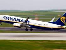 Un avion Ryanair, blocat la...