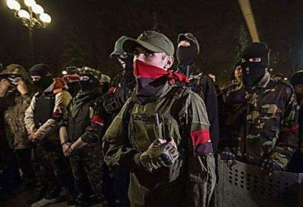 Nationalistii sfideaza Kievul. Luptele din vestul Ucrainei aduc riscul unui conflict in apropierea Romaniei