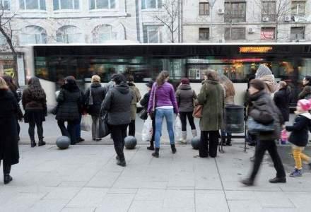 RATB, amendata pentru neglijenta cu care isi trateaza publicul calator: autobuze murdare, fara climatizare si pline de resturi de mancare