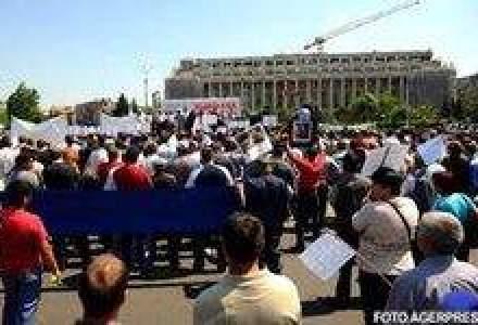 Peste 1 milion de bugetari intra in greva pe termen nelimitat din 31 mai