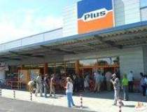 Plus opens new discount store...