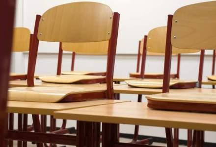 Academia cere Ministerului Educatiei introducerea culturii folclorice in invatamantul preuniversitar