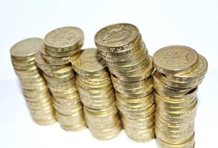 Salariile angajatilor Guvernului si Presedintiei au fost majorate cu pana la 70%, de Parlament