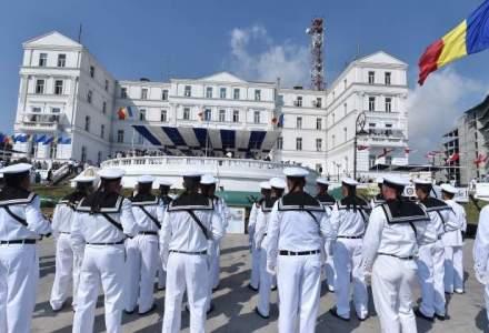 Mii de turisti au asistat la manifestarile de Ziua Marinei la Constanta