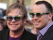 Elton John va da in judecata...