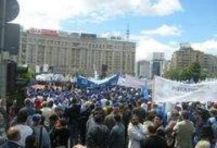 Proteste la Cotroceni impotriva legilor austeritatii