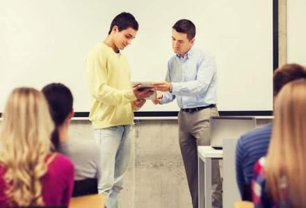 Cum vor sapte companii private sa schimbe sistemul de invatamant: infiinteaza o scoala bazata pe practica