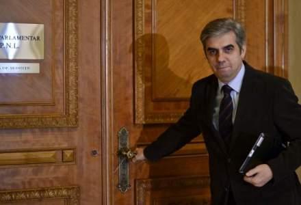 Eugen Nicolaescu, noul lider al deputatilor PNL; Ludovic Orban pierde la un vot diferenta
