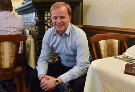 "Interviu cu antreprenorul Octavian Badescu chiar in casa in care a copilarit: ""Motivatia vine si din foame"""