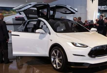 Tesla Model X va costa peste 107.000 dolari