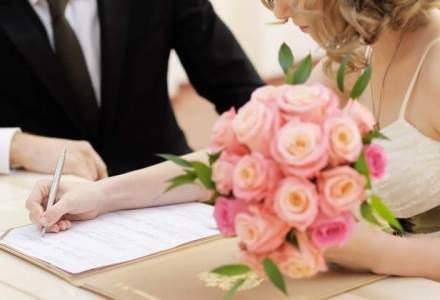 Numarul casatoriilor civile a scazut cu peste 25% in 10 ani. Migratia masiva isi spune cuvantul
