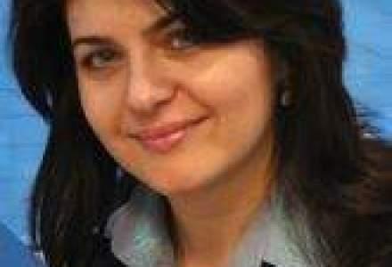 Interviu cu autoarea primei carti publicitare din Romania: Salarii mari in PR - doar un mit
