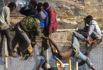 """Negocieri la Bruxelles: Un refugiat refuzat, """"amenda"""" de 6.500 euro"""
