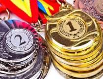 Trei medalii de aur si o...