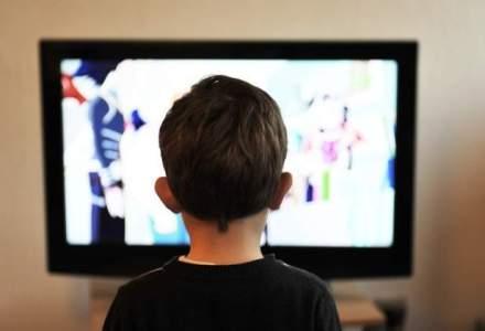 CNA ar putea lua in discutie interzicerea aparitiei copiilor in reclamele la produse alimentare