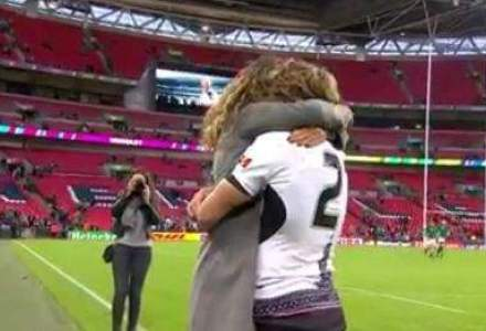 Rugbistul Florin Surugiu si-a cerut iubita in casatorie pe Wembley