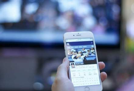Facebook introduce noi facilitati in retea: GIF-uri la profil, fotografii temporare
